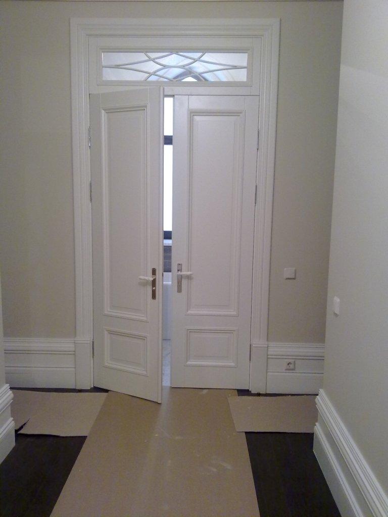 Двери двустворчатые с фрамугой