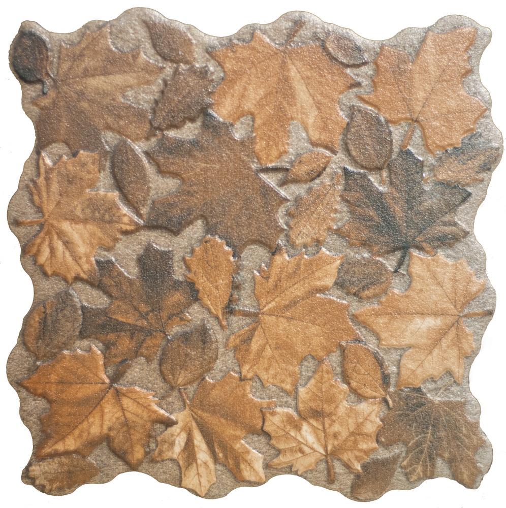 осенние листья на поверхности плитки
