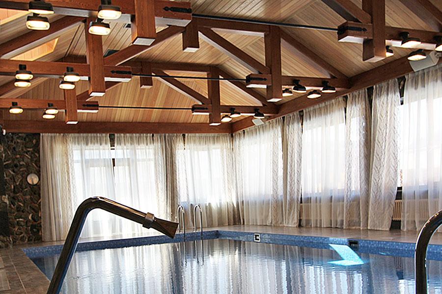 Деревянный потолок из лиственницы