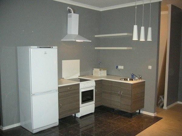 Кухонная зона в процессе ремонта
