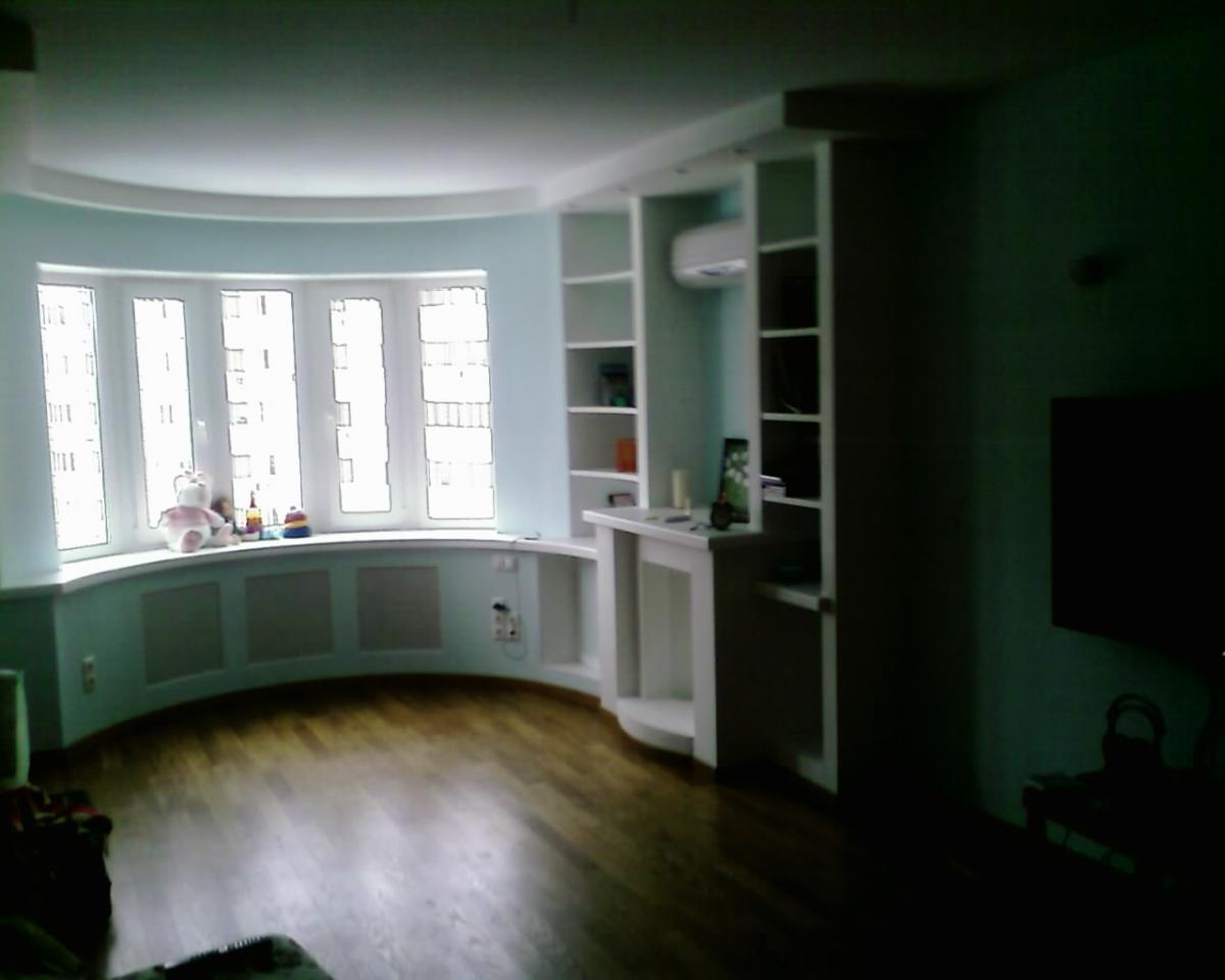Подоконник на полукруглом балконе - отделочные материалы - ф.
