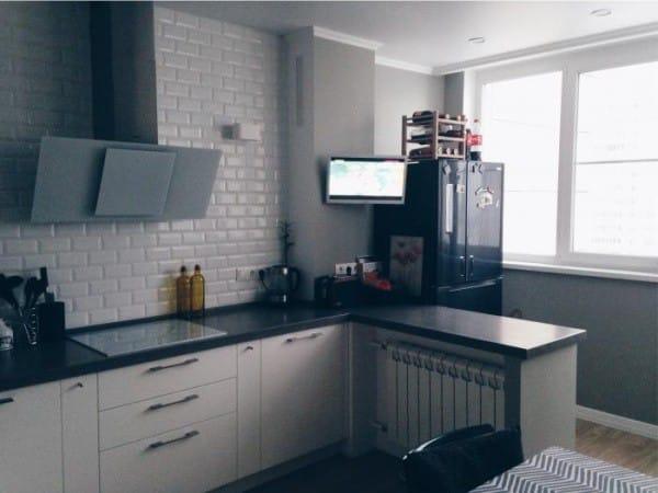 Совмещенный зал и кухня с лоджиями. Помощь в планировке
