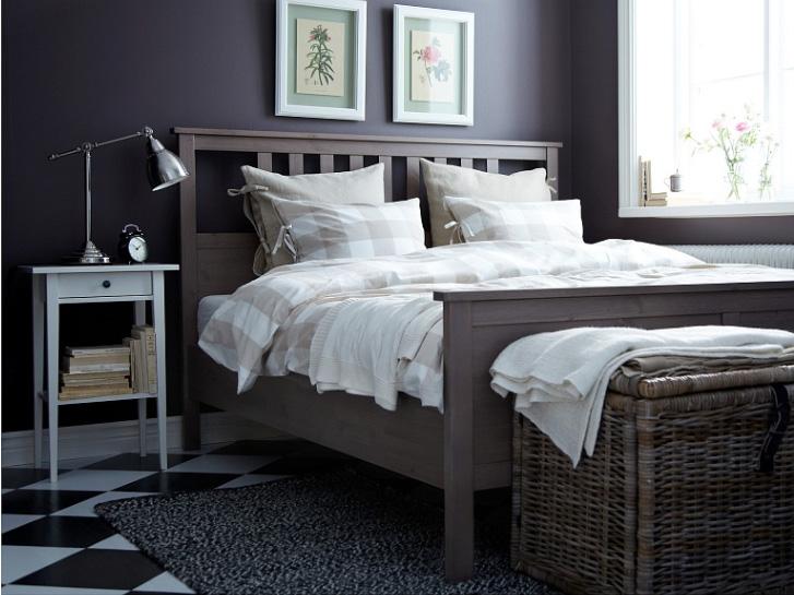 Темные стены в маленькой спальне не станут ли ошибкой?