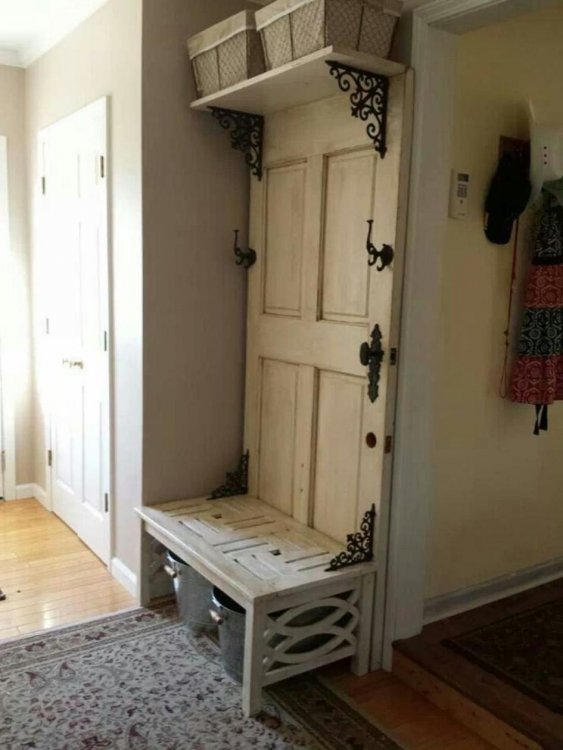 simply-door-and-storage-with-with-cloths-hanger-at-the-clasic-old-hohse-945x1259.jpg