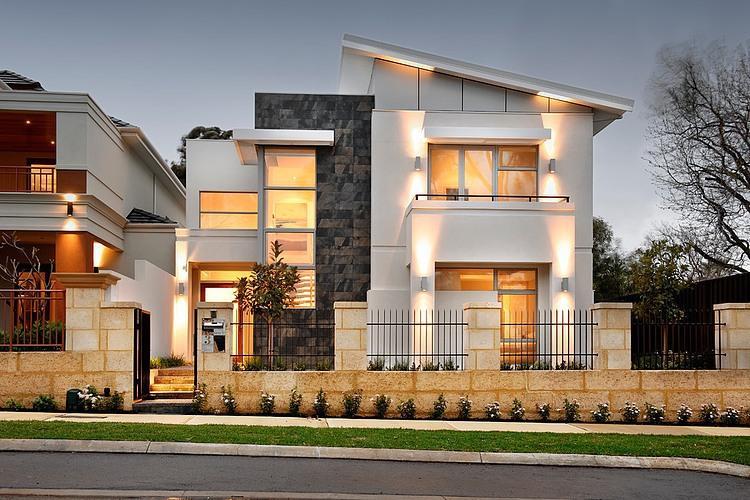Нуждаюсь в идеи подбора козырька под дизайн дома