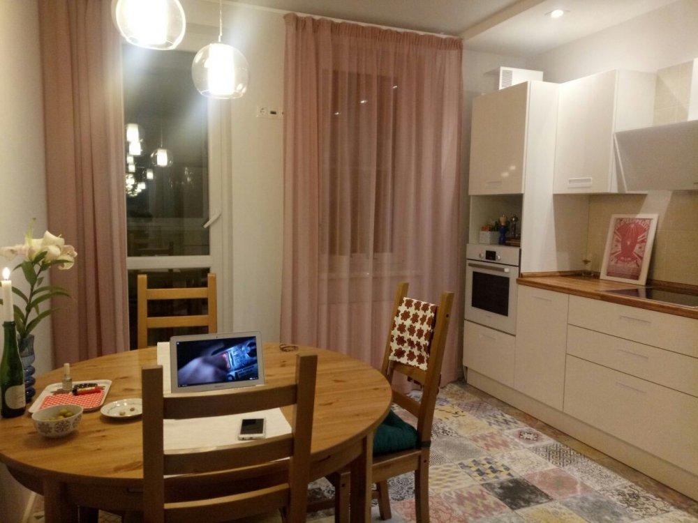 У кого белая кухня в скандинавском стиле?-3