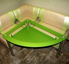 stol-steklyannyj-chetvertkruga.jpg