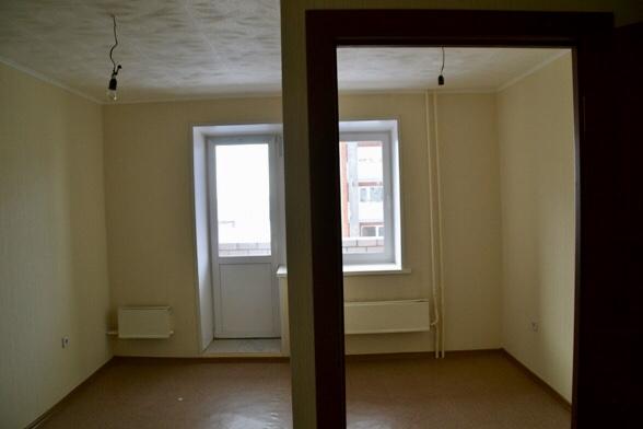 Перепланировка 3-шки c комнатой с большим окном.
