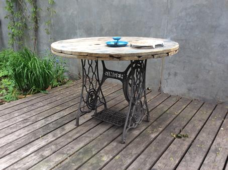 Стол для сада, кафе, дома