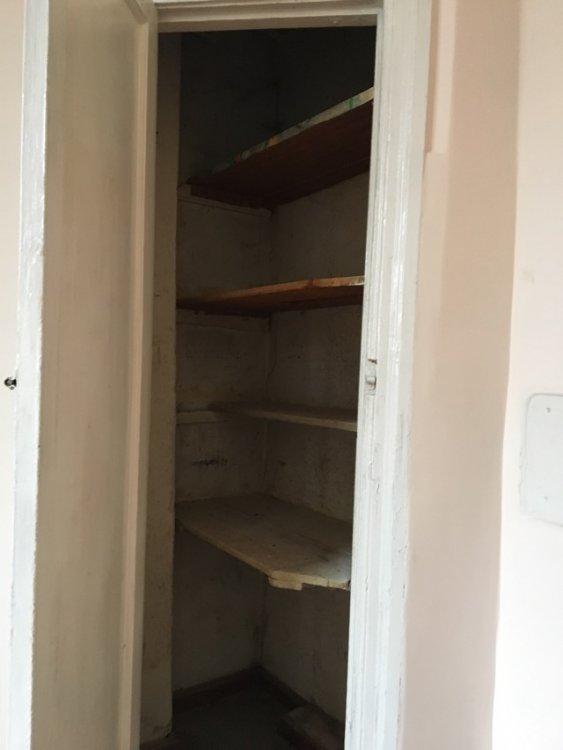 Кладовка в углу кухни, как обыграть при планировке