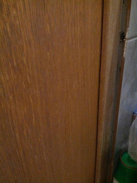 Стык плитки и дверной коробки.Прошу помощи.