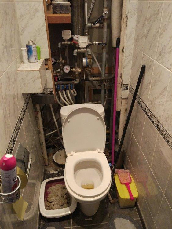 Как заделать сантехшкаф в туалете, нужны идеи.-2