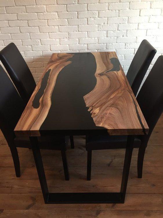 Произвожу мебель из массива и эпоксидной смолы на заказ