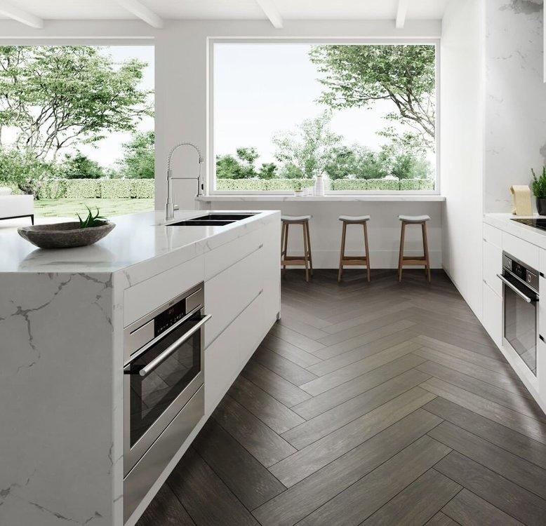 Отделка кухни-гостиной: полы, стены, потолки и шторы