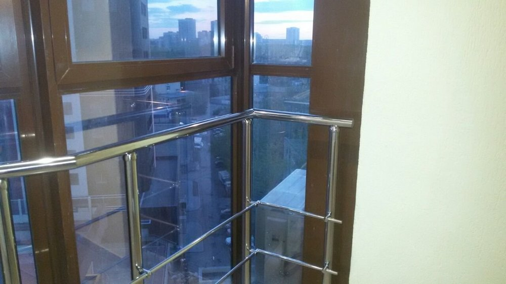 Нужно ли согласовывать остекление балкона?