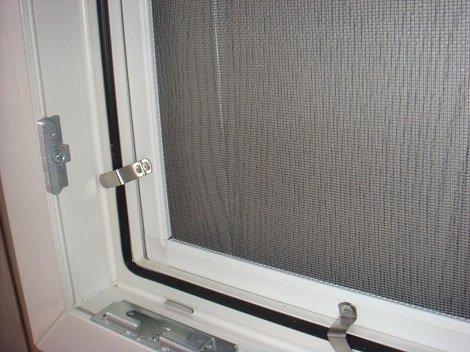 Сетка на пластик. окна в хрущевке