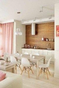 Расстановка мебели в проходной кухне-гостинной