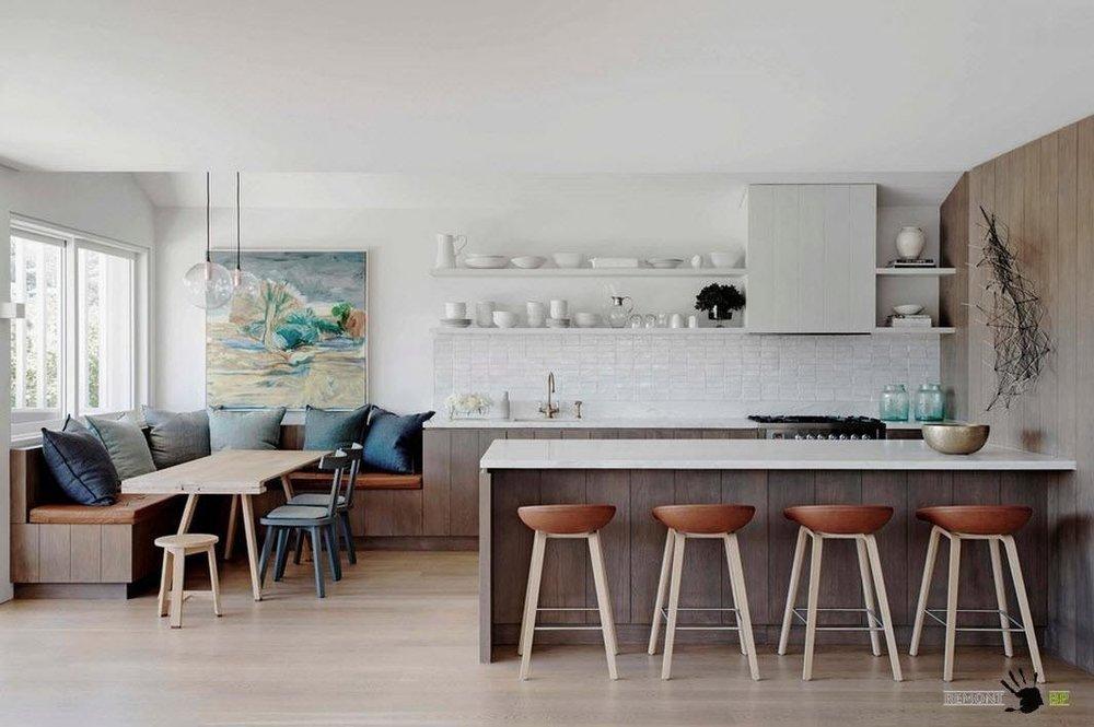 Кухня с большим окном и низким подоконником-5