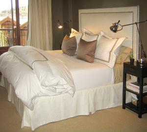 Кровать бримнэс в интерьере